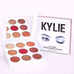 NWB KylieCosmetics Kyshadow Burgundy Palette